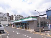 ファミリーマート横浜片倉町店
