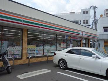 セブンイレブン 神戸二番町店の画像1