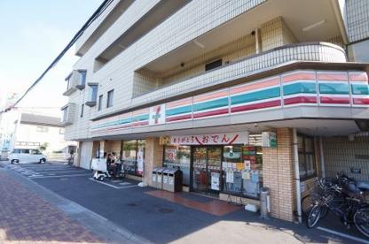 セブンイレブン 戸田新曽南店の画像1