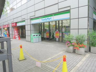 ファミリーマートK2土佐堀一丁目店の画像1