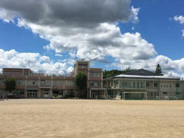 鈴鹿市立白鳥中学校の画像1