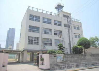 大阪市立市岡東中学校の画像1