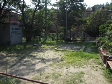 東城山町すみれ児童遊園の画像4