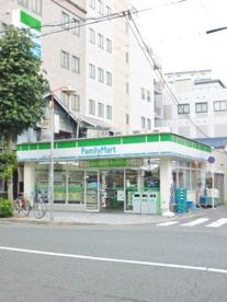 ファミリーマート新栄二丁目店の画像1