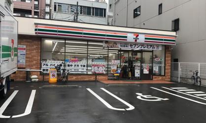 セブン-イレブン大阪京町堀1丁目店の画像1