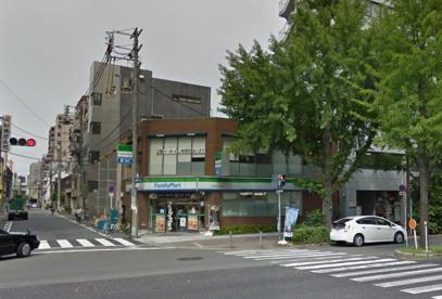 ファミリーマート江戸堀二丁目店の画像1