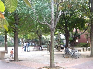 早稲田通り公園の画像1