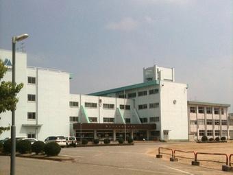 富山市立奥田中学校の画像1
