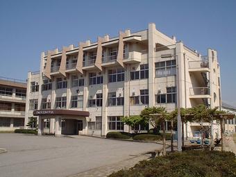 富山市立東部中学校の画像1