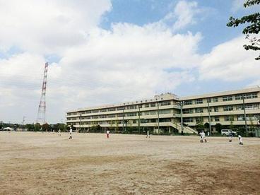 三郷市立早稲田中学校の画像1
