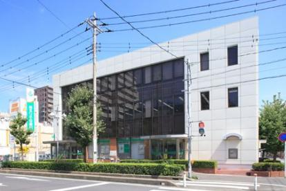 埼玉りそな銀行 三郷支店の画像1