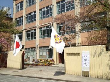 京都市立栗陵中学校の画像1