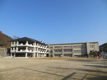 玉野市立八浜小学校の画像1