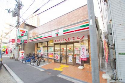 セブンイレブン 梅田高速ビル店の画像1