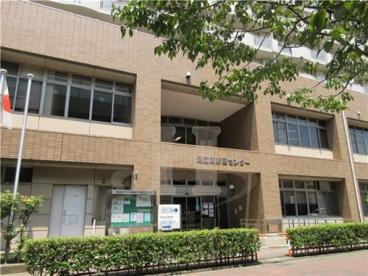 足立区立新田コミュニティ図書館の画像1