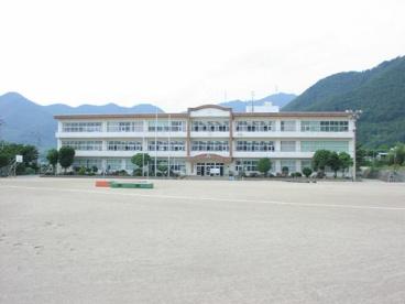 甲州市立塩山北中学校の画像1