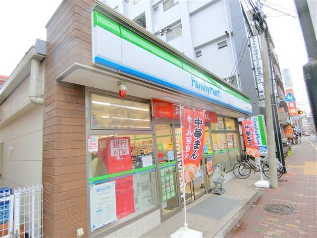 ファミリーマート蓮沼駅西店の画像
