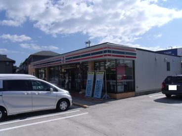 セブンイレブン 鈴鹿岸岡町店の画像1