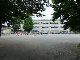 杉並区立桃井第四小学校の画像1