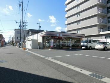 セブンイレブン 鈴鹿白子駅前店の画像1