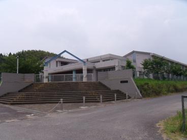 亀山市立昼生小学校の画像1