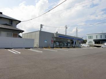 ローソン 亀山川合店の画像1