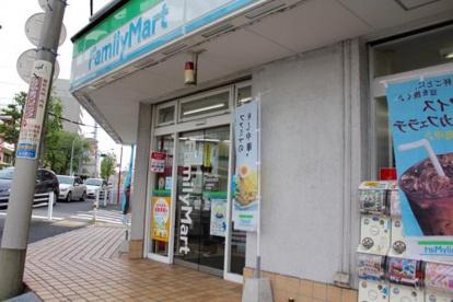 ファミリーマート新宿弁天町店の画像1