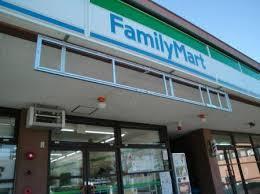 ファミリーマート東京医科大学前店の画像1