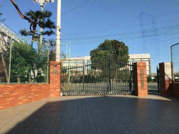 世田谷区立緑丘中学校の画像1