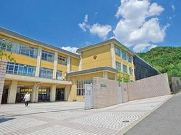 京都市立 春日丘中学校の画像1