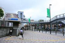 東海大学前駅