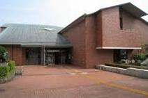 秦野市立図書館