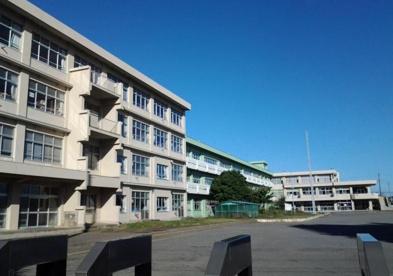 厚木市立依知南小学校の画像1