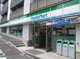 ファミリーマート 牛込柳町駅前店の画像1