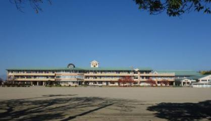 中央市立玉穂中学校の画像1