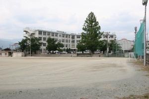 笛吹市立御坂中学校の画像1