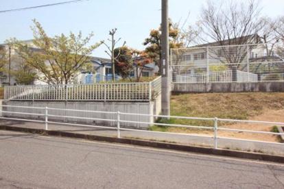 香芝市立真美ケ丘西小学校の画像1
