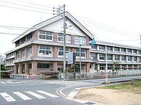 鳥取市立湖山西小学校の画像1