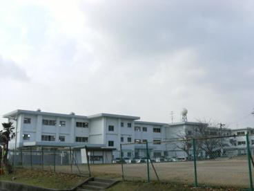 亀山市立井田川小学校の画像1