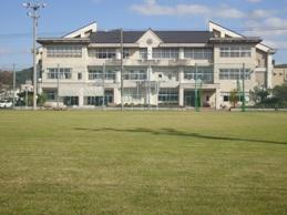 鳥取市立遷喬小学校の画像1