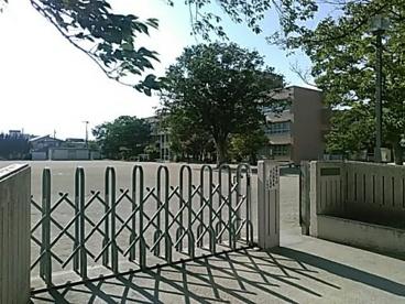 甲府市立湯田小学校の画像1