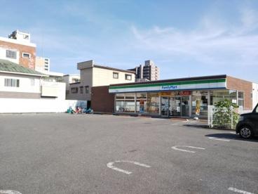 ファミリーマート甲府朝日店の画像1