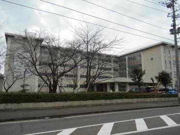 新潟市紫竹山小学校の画像1