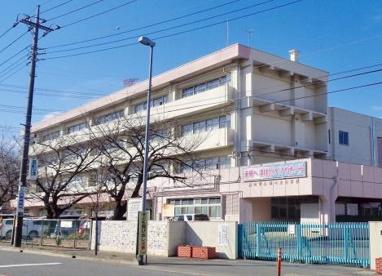 桶川市立桶川東小学校の画像1