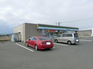 ファミリーマート 鈴鹿北堀江町店の画像1