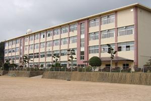 三川内小学校の画像1