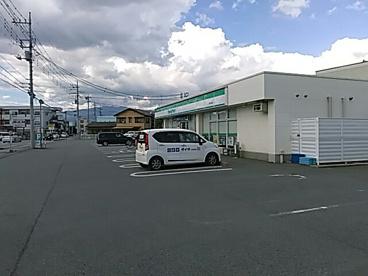ファミリーマート甲府大里店の画像1