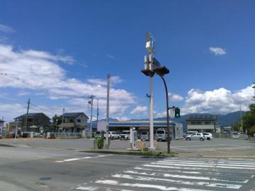 ローソン 小瀬スポーツ公園店の画像1