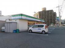 ファミリーマート石和町市部店