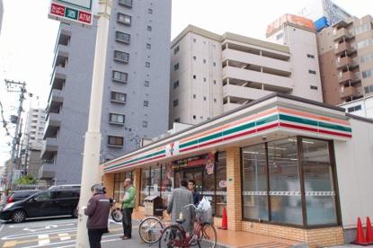セブン-イレブン大阪OCAT前店の画像1